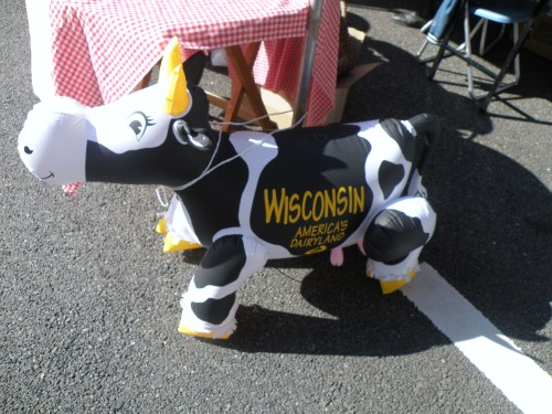 This cow was set up at our booth, because Rice Lake(WI) and Miharu are sister cities.